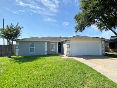 826 Saint Benedict Ct, Corpus Christi, TX 78418