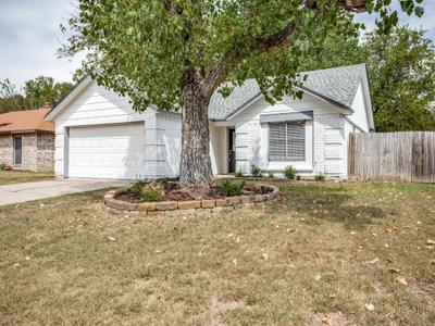 221 Flaxseed Ln, Fort Worth, TX 76108