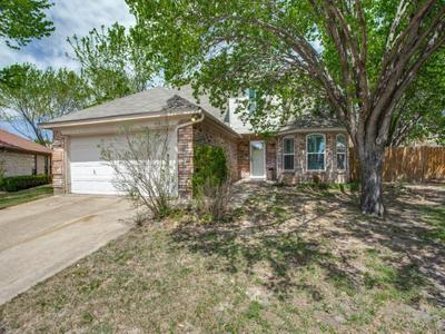 400 Scrub Oak Ct, Fort Worth, TX 76108