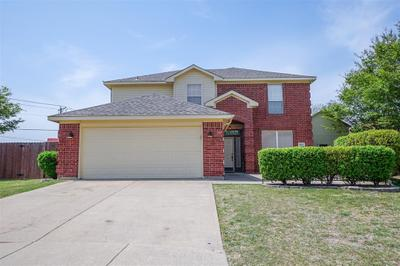 8005 Kathleen Ct, Fort Worth, TX 76137