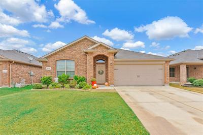 8208 Spotted Doe Dr, Fort Worth, TX 76179