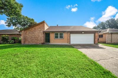 3803 Golders Green Dr, Houston, TX 77082