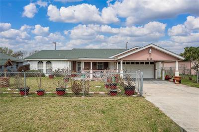 2739 Avenue E, Ingleside, TX 78362