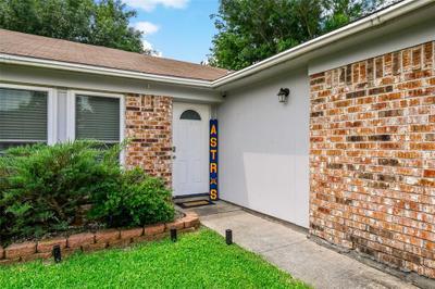 5425 Rock Springs Dr, La Porte, TX 77571