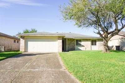 9809 Robin St, La Porte, TX 77571