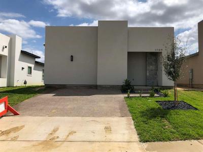 1709 Jerez Dr, Laredo, TX 78046