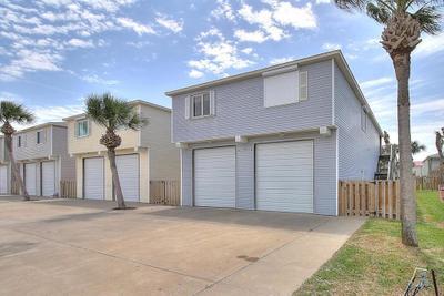 229B W Avenue E, Port Aransas, TX 78373