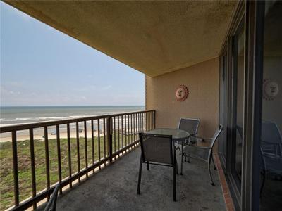 6649 Seacomber Dr #601 Image 3 of 40