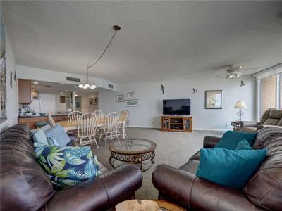 6649 Seacomber Dr #601 Image 5 of 40