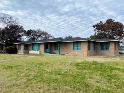 101 Kissling Ave, Robstown, TX 78380