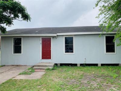 135 W Avenue H, Robstown, TX 78380