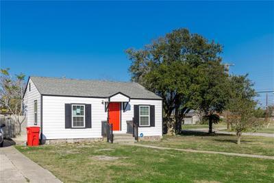 511 E Avenue H, Robstown, TX 78380