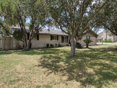 5296 Lariat Trl, Robstown, TX 78380