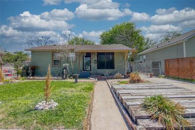 628 Huisache St, Robstown, TX 78380