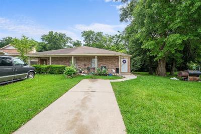 22306 Tree House Ln, Spring, TX 77373