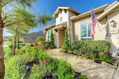 28223 Green Meadow Way Image 2 of 25