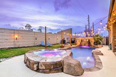 28627 Lockeridge View Dr, Spring, TX 77386