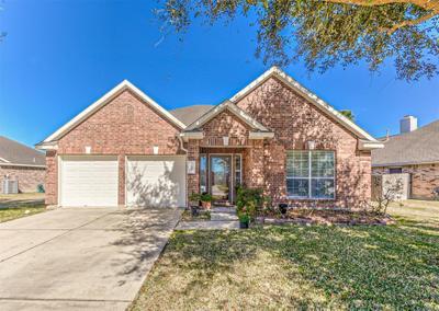 5823 Fairway Manor Ln, Spring, TX 77373