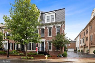 1860 Carpenter Rd, Alexandria, VA 22314