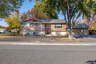 582 Holly St, Richland, WA 99354