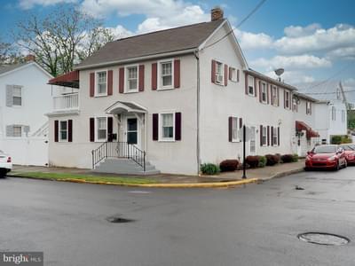 326E E Liberty St, Charles Town, WV 25414