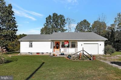 512 Salvation Rd, Martinsburg, WV 25405
