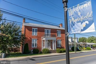 208 N Main St, Moorefield, WV 26836