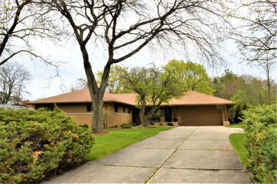 534 E Bay Point Rd, Bayside, WI 53217
