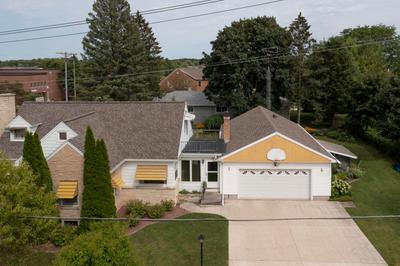 194 Washington St, Elkhart Lake, WI 53020