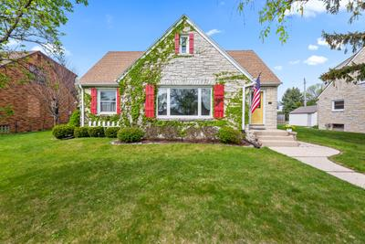 3237 S 44th St, Greenfield, WI 53219