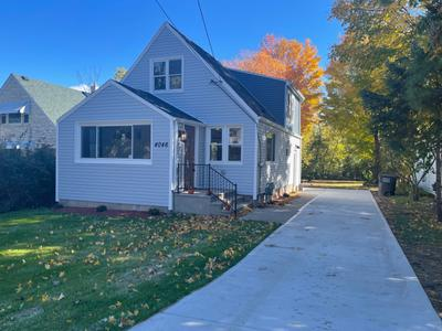 4046 S 41st St, Greenfield, WI 53221