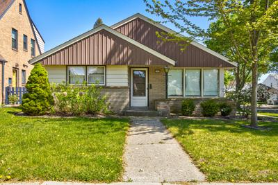2800 N Hartung Ave, Milwaukee, WI 53210