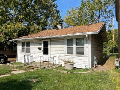 6040 W Fairview Ave, Milwaukee, WI 53213