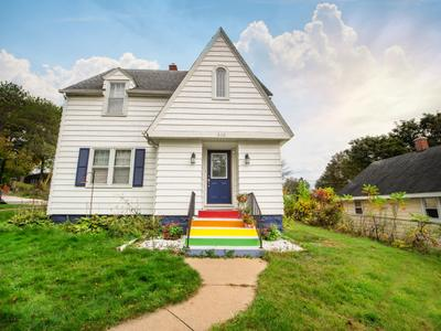 303 S 9th Ave, Wausau, WI 54401
