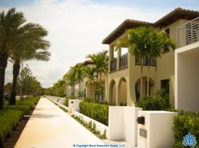 Alton homes for sale palm beach gardens real estate for Alton swimming pool opening times